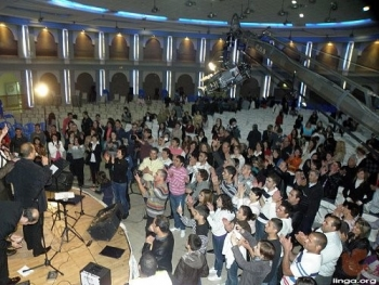 "Nazareth: Channel ""ELHAYAT "" SPONSERED an evening in conjunction with the spiritual life of love and center Kimedia"
